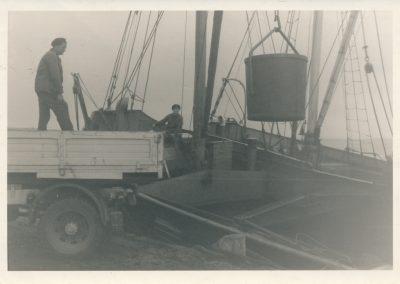 Unloading coal at Bruichladdich pier